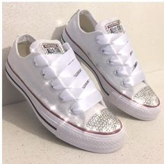 Womens Wedding White Converse All Stars! www.glittershoeco.com Glitter  Converse a1151bb52082