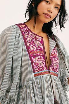 Boho Fashion, Vintage Fashion, Fashion Outfits, Fashion Tips, Fashion Design, Forest Fashion, Iranian Women Fashion, Embroidered Clothes, Western Outfits