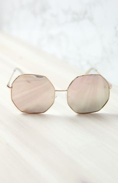 98810448003 Quay Australia - Kiss And Tell Sunglasses - Rose Pink from Peppermayo.com  Mirrored