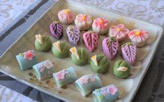 : Learn the Art of Making Wagashi, Japanese Traditional Sweets - Book Online - Cookly Japanese Diet, Japanese Sweets, Sweet Recipes, Snack Recipes, Cute Baking, Ice Cream Candy, Rice Cakes, Aesthetic Food, Cooking Classes