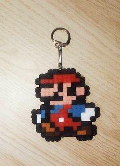 Porte clé Mario en perles à repasser #PerlerBeads #PerlesARepasser #Mario