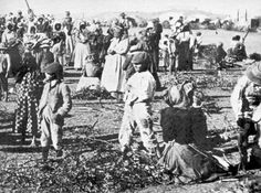 Women and children in a British concentration camp during the Boer War. Nasa History, History Facts, Florence, War Novels, Northampton Town, The Settlers, History Projects, Medical History, African History