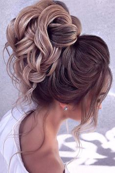 wedding hairstyles romantic romantic bridal updos wedding hairstyles high with loose curls for lond hair elstilela Wedding Curls, Wedding Hair And Makeup, High Updo Wedding, Wedding Bride, Wedding Dresses, Romantic Hairstyles, Bride Hairstyles, Hairstyles Videos, Funky Hairstyles