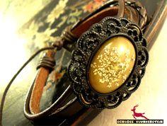 Echte getrocknete Blüten Flechtarmband BLACK OLIVE von Schloss Klunkerstein - Uhren, von Hand gefertigter Unikat - Schmuck aus Naturmaterialien, Medaillons, Steampunk -, Shabby - & Vintage - Schätze, sowie viele einzigartige und liebevolle Geschenke ... auf DaWanda.com