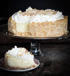 Caribbean coconut cheesecake / RECIPE v. Antillean cake with coconut Pear And Chocolate Cake, Chocolate Butter, Coconut Cheesecake, Cheesecake Recipes, Pear Recipes, Sweet Recipes, Cake Recept, Buckwheat Cake, Happy Foods