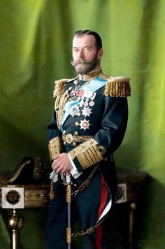 [COLORIZED] Nicholas II The Last Emperor of Russia - photo by Henry Guttmann - circa 1910 - in Alexander palace - Tsar Nicolas, Tsar Nicholas Ii, Saint Nicholas, Czar Nicolau Ii, Old Fashion Christmas Tree, Retro Christmas, Military Costumes, Last Emperor, House Of Romanov