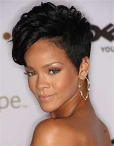 Picture of Rihanna Hair - Rihanna Short Hair Picture