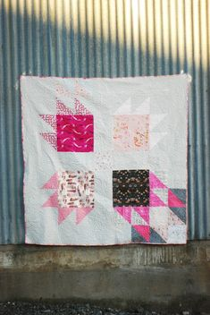 Giant Bear Paw block quilt! Love the color placement, fabrics....really everything about this modern quilt. Awesome!