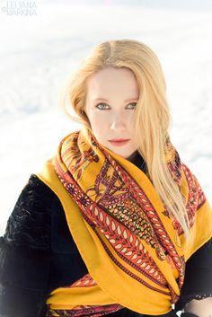 Gallery.ru / Фото #171 - Люди 2011/12 - lelyana russian shawl russian scarf #russian #shawl #scarf #lelyana #леляна #павлопосадский #платок