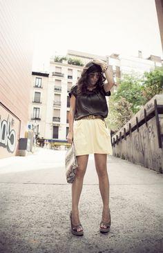 yellow dots skirt / street style  bárbara crespo  http://www.elblogdebarbaracrespo.com/