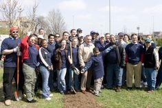(04-26-2008) 64th and Yale   #greeningchicago  www.gatewaygreen.org