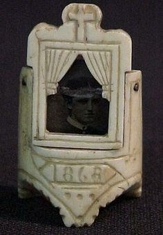 ✿ڿڰۣ(̆̃̃❤Aussiegirl   carved ivory mourning ring