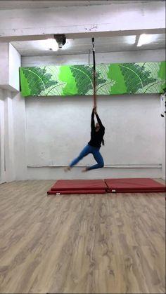 Lisette Krol - Aerial Hoop Combos - Inter/Adv
