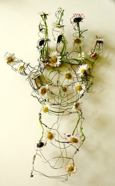 wire sculpture with daisies Helen Butler   Artists on tumblr