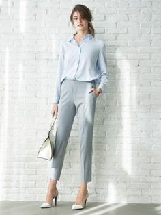 Whether worn dressy or casual, our Ankle Pants are sure to make a statement. Whether worn dressy or casual, our Ankle Pants are sure to make a statement. Dresscode Smart Casual, Smart Casual Women Office, Casual Dressy, Dressy Pants, Women Office Wear, Casual Office Outfits Women, Office Style Women, Smart Casual Outfit Summer, Smart Casual Attire