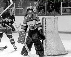 Jack Norris Hockey Shot, Hockey Teams, Ice Hockey, Hockey Boards, Stanley Cup Champions, Edmonton Oilers, Vancouver Canucks, Nhl, Coaching