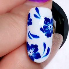 Super Easy Floral Nail Design 😍 Nail Art Designs Videos, Nail Art Videos, Simple Nail Art Designs, Fall Nail Designs, Easy Nail Art, Simple Art, Halloween Nail Designs, Halloween Nails, Fall Halloween