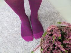violetit tukisukat mustilla sydämillä Socks, Fashion, Moda, Fashion Styles, Sock, Stockings, Fashion Illustrations, Ankle Socks, Hosiery