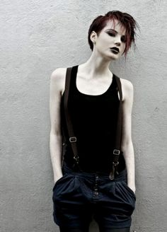 Polished Grunge;  Follow @evesvivalavida