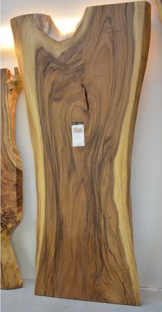 Baumscheiben Tischplatte aus Akazie