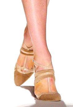 a04cdaa785 16 melhores imagens de Sapatos