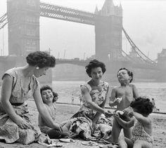 15 Historical & Never Seen Photo's of London - Mega Series Part 1 Trafalgar Square, Abbey Road, Covent Garden, London Calling, Mega Series, Westminster School, London United Kingdom, Liverpool Street, Skyline
