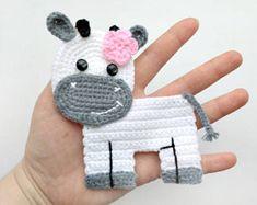 Pattern cow applique crochet pattern PDF farm animal pattern … – Baby decoration - Top Of The World Crochet Border Patterns, Crochet Motif, Crochet Hooks, Crochet Appliques, Crochet Edgings, Elephant Applique, Cat Applique, Crochet Security Blanket, Blanket Crochet