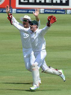 AB de Villiers loudly celebrates an outside edge.