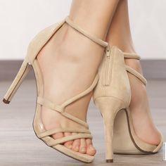 Escarpins femme Beige talons de 11 cm taille 38, en vente sur la boutique  en ligne Modatoi. Achetez en ligne des chaussures femme sur modatoi.com. aade60133fc3