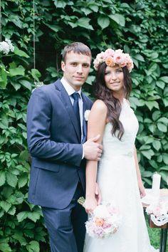 navy with satin groom look #groom #navy #wedding http://www.weddingchicks.com/2014/01/21/whimsical-marshmallow-wedding/