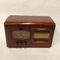 1937 Silvertone Model 4660 Table Radio