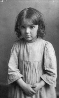 +~+~ Vintage Photograph ~+~+   Sweet unsurity.
