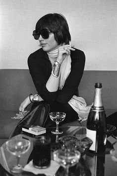 -Photo Terry O'Neill - Liza Minnelli during an interview for her show 'Liza' on Broadway in NYC in 1974.