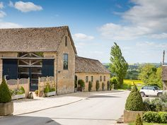 The rural Cotswold venue of #Merriscourt oozes with understated luxury and country elegance. Image © Louise Bowles Photography. #cotswoldwedding
