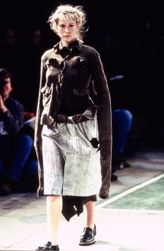 Comme des Garçons Fall 1994 Ready-to-Wear Fashion Show - Emma Warg