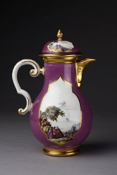 Coffee pot and cover | Meissen porcelain factory | made in Germany in 1740