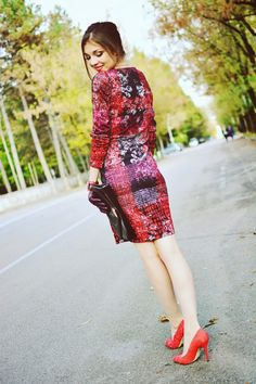 SummerCaffe: Fashion Designed to Be Brilliant: Eroke dress + Menbur shoes! http://www.summercaffe.com/2014/10/fashion-designed-to-be-brilliant-eroke.html