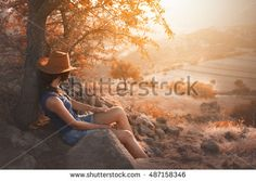 Autumn girl travelling #hiking #travel #turkey #autumn