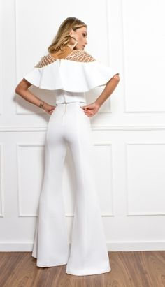 Looks Dinner Recipes bread recipes White Outfits, Summer Outfits, Jumpsuit Elegante, Wedding Pants, Modelos Fashion, Bridal Jumpsuit, Contemporary Fashion, Designer Dresses, Fashion Looks