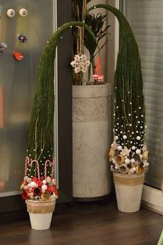 – All About Christmas Grinch Christmas, Christmas Art, Christmas Wreaths, Christmas Ornaments, Handmade Christmas Decorations, Xmas Decorations, Christmas Arrangements, Theme Noel, Christmas Templates