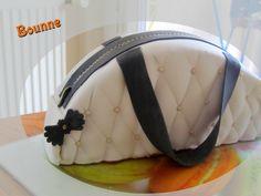 gâteau d'anniversaire original sac à main fille Bag Cake, Purses, France, Food, Pastry Recipe, Purse, Welly Boots, Pies, Bags