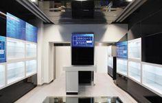 Concept Store in Wien - Neben verschieden einsetzbaren Regaleinheiten ist der Store vor allem durch unzählige digitale Brandingmöglichkeiten auf einzelnen Screens oder ganzen Screenwänden bespielbar!