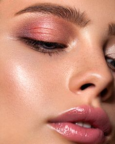 Eye Makeup Tips – How To Apply Eyeliner – Makeup Design Ideas Dewy Makeup, Natural Eye Makeup, Makeup For Brown Eyes, Eyebrow Makeup, Makeup Eyeshadow, Face Makeup, Makeup Goals, Makeup Inspo, Makeup Inspiration