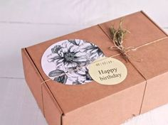 Cajas De Regalo, El Packaging Perfecto - SelfPackaging Dessert Packaging, Food Packaging Design, Soap Packaging, Pretty Packaging, Packaging Design Inspiration, Creative Gift Wrapping, Creative Gifts, Ecommerce Packaging, Clothing Packaging