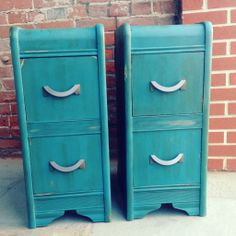 Nightstands painted in a custom 'Peacock Blue' using Napoleonic Blue, Antibes Green, and Aubuson Blue Chalk Paint® decorative paint by Annie Sloan.