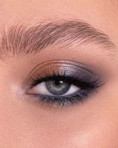 Discovered by L☽ U♆N☽A. Find images and videos about makeup and eyeshadow on We Heart It - the app to get lost in what you love.