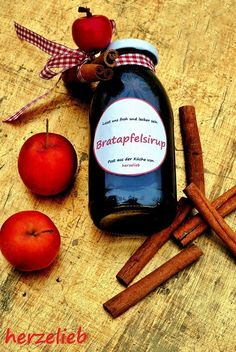 Baked Apple Syrup Recipe - This syrup is sweet winter happiness - Baked apple syrup – sweet winter happiness – loving the heart - Apple Dessert Recipes, Apple Recipes, Apple Syrup Recipe, Amazing Food Photography, Diy Cadeau, Fried Apples, Food Club, Liqueur, Edible Gifts