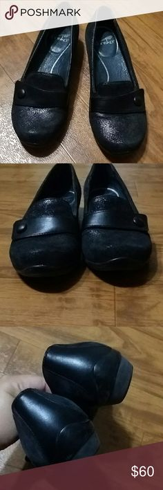 Dansko loafers Shimmery slate color with black, size 37 (fits 6.5-7) leather balance. In good condition. Dansko Shoes Flats & Loafers