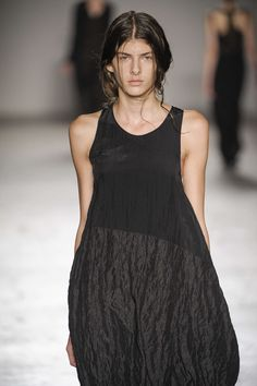 Uma Wang Spring-Summer 2014, Womenswear - Catwalks (#16600)