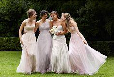 La gasa es el tejido principal de los vestidos de damas